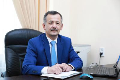 Ma'naviy-axloqiy tarbiya ishlari bo'yicha prorektor Eshmuradov Dilshod Elmuradovich